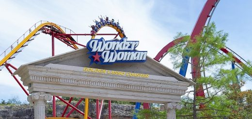 Wonder Woman Golden Lasso Coaster Entrance