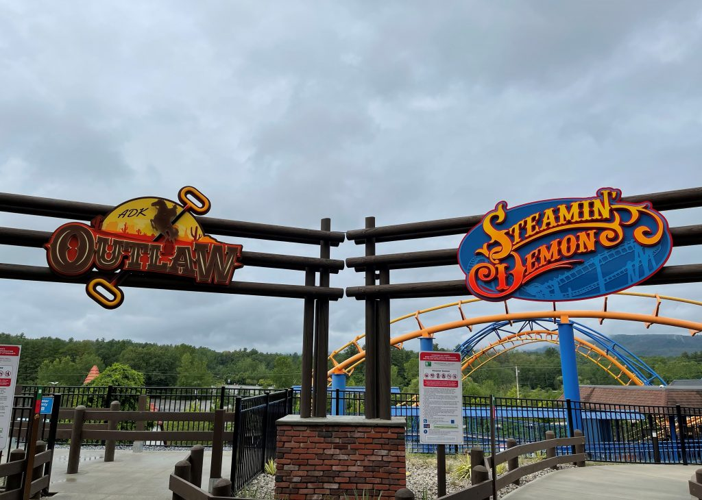 Adirondack Outlaw & Steamin' Demon Shared Entrances