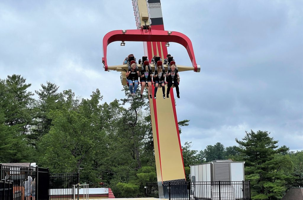 Adirondack Outlaw Gondola in Action