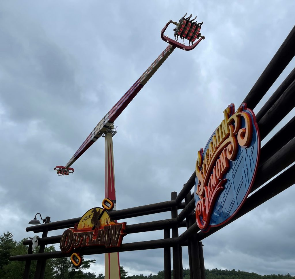 Adirondack Outlaw From Queue Entrance