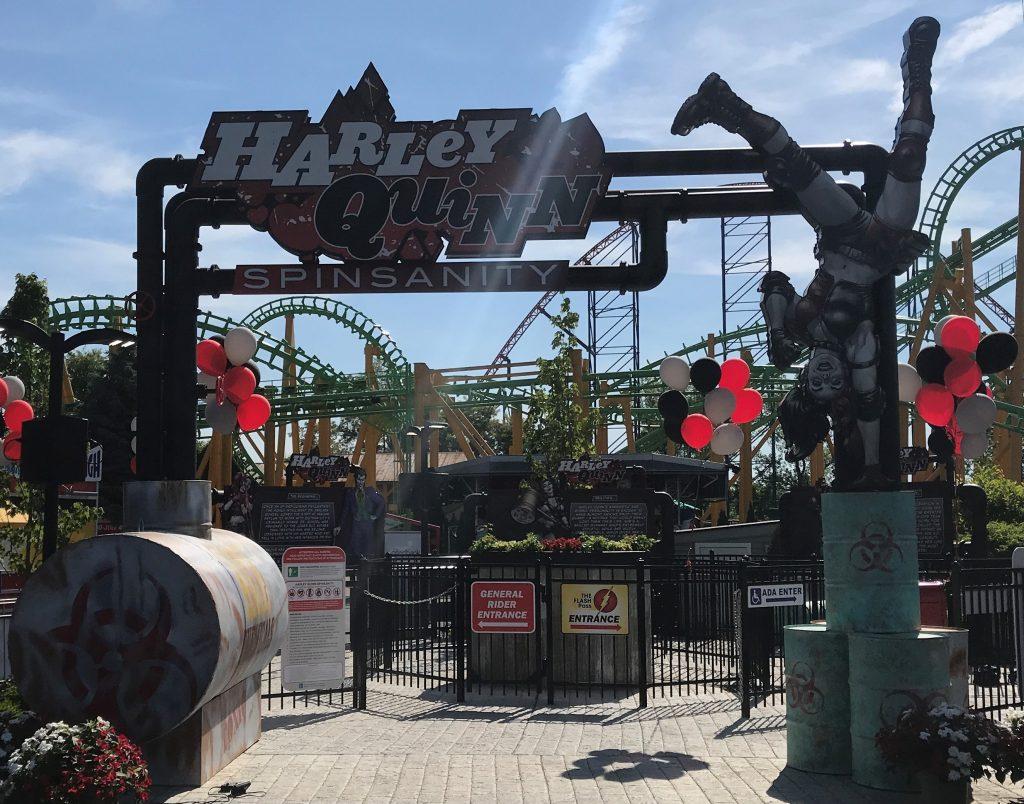 Harley Quinn Spinsanity Queue Entrance