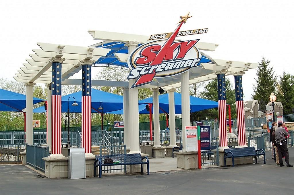 New England SkyScreamer Queue Entrance