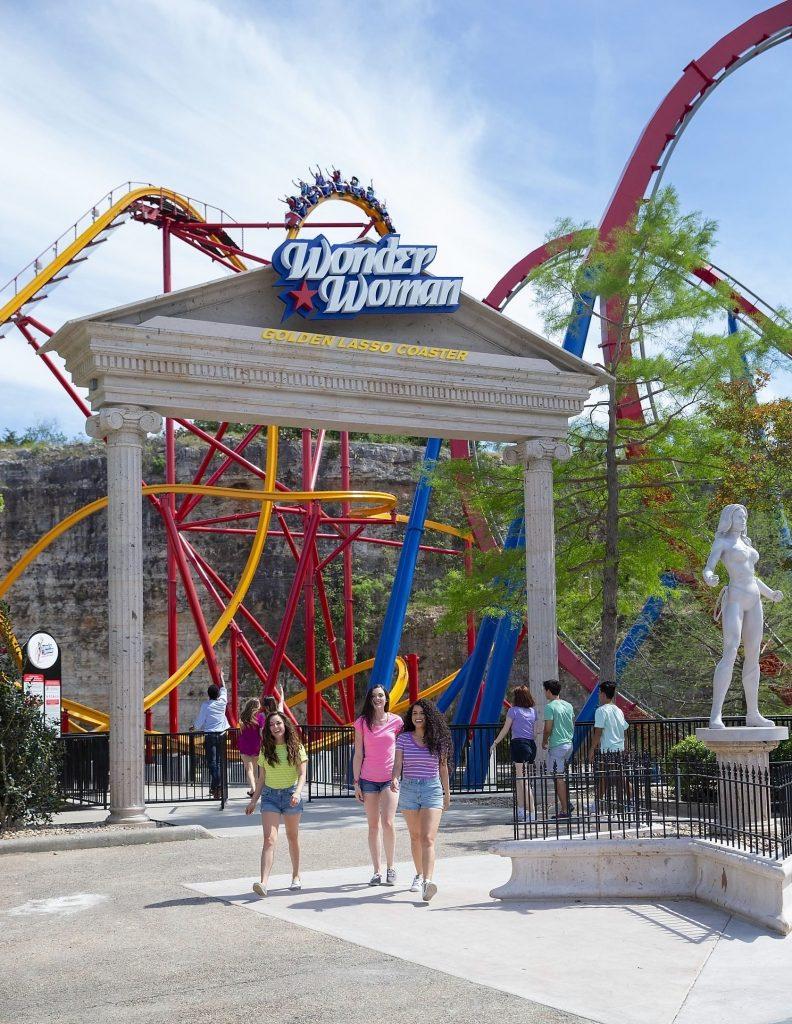 Wonder Woman Golden Lasso Coaster Queue Entrance